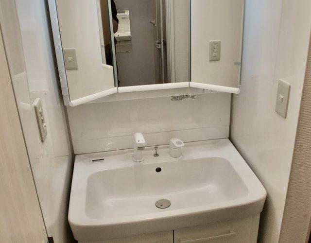 洗髪洗面化粧台 三面鏡