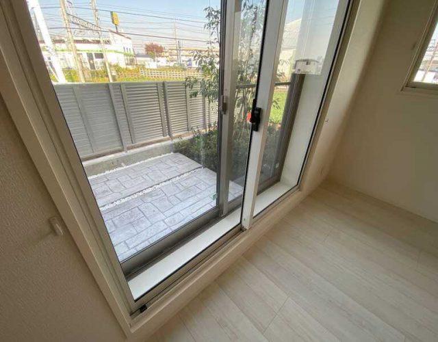 防音室 防犯合わせペアガラス窓をさらに2重としています。