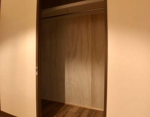 クローゼット(大) 桐壁