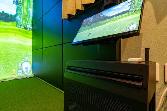 ゴルフ室 高精度ゴルフシミュレーター【Joy Golf smart +】を装備